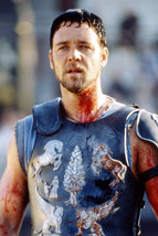Russell Crowe Gladiator Bloody In Armour 18x24 Poster - $23.99