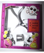 Wilton 5 Pc Halloween Metal Cookie Cutter Set Roll-Out Cookie Recipe Inc... - $4.99