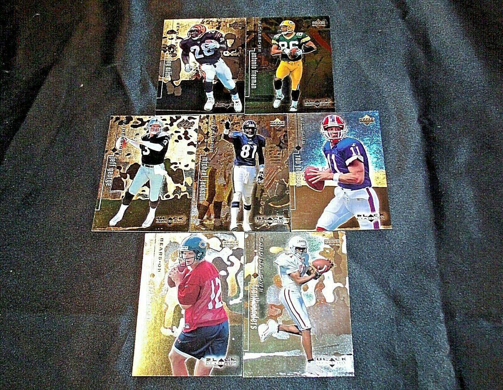1998 Black Diamond Upper Deck Football Trading Cards ( Group of 7 ) AA20-FTC3024