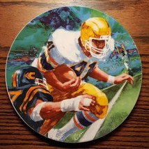 "Avon Moments Of Victory Football 1985 Ray Cara Collectors Plate 7"" Porcelain - $9.46"