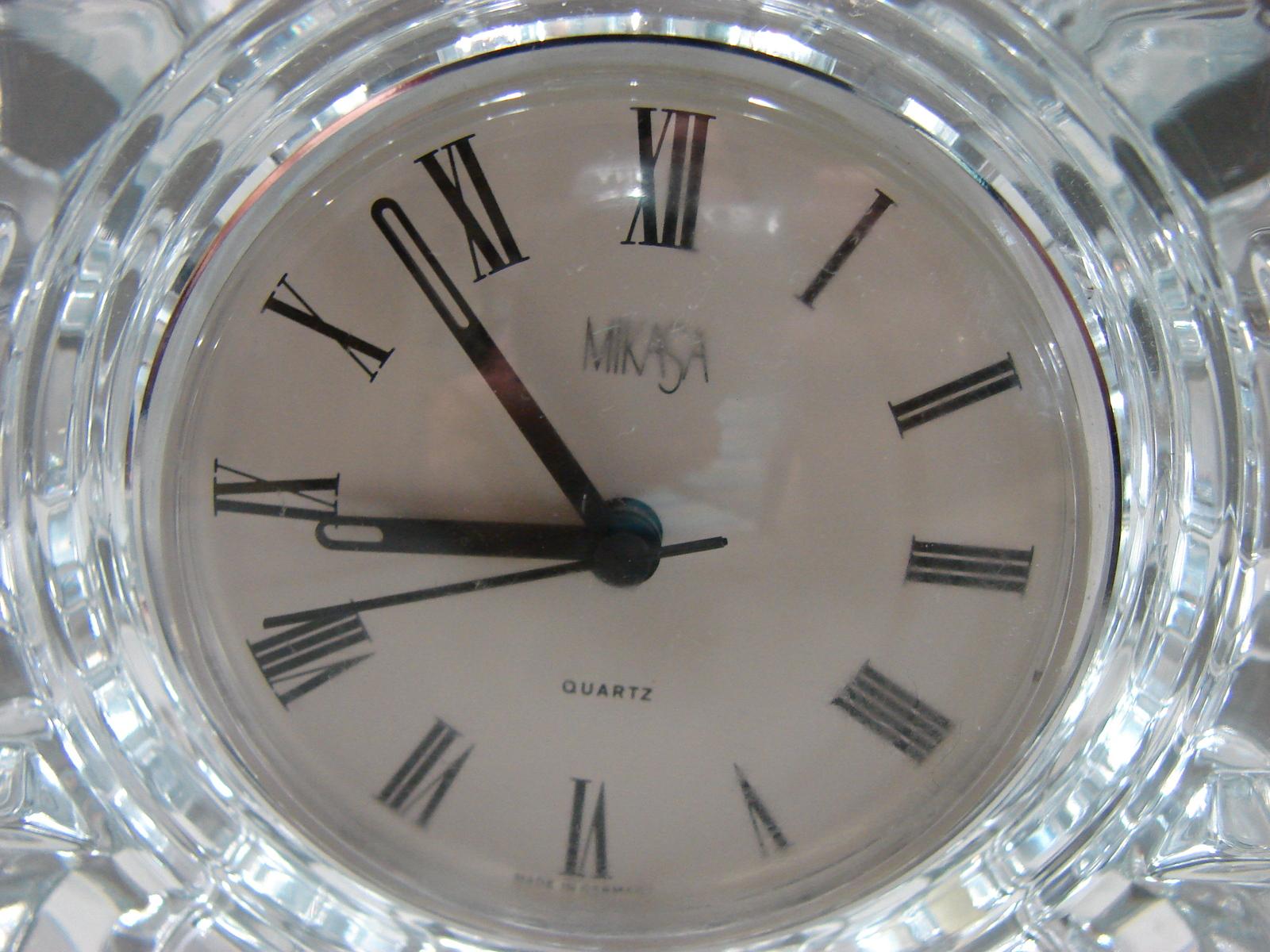 Mikasa Austria StarFire Crystal Clear Glass Star Quartz Round Clock Germany Made