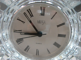 Mikasa Austria StarFire Crystal Clear Glass Star Quartz Round Clock Germ... - $23.90