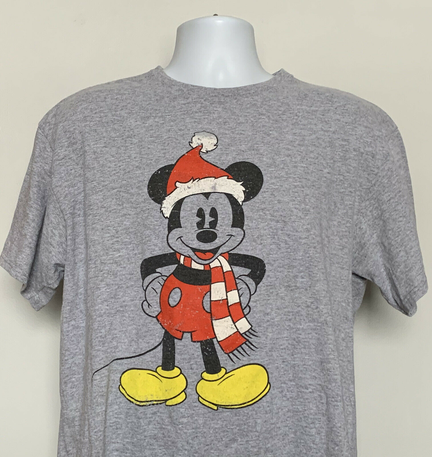 Primary image for Disney Mickey Mouse Santa Hat Scarf T Shirt Mens XL Gray Cotton Poly Blend