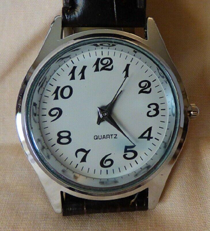 Vintage 1980s Quartz Men's Watch Textured Dark Brown Leather Band Unused