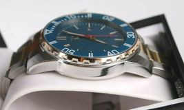 I.N.C. Men's 44mm Gold Silver Two-Tone Bracelet w Blue Dial Date Wrist Watch NIB image 4
