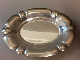 SMALL THREE CROWNS SILVERSMITHS SILVERPLATED SCALLOPED EDGE OVAL TRAY - $25.24