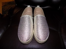 a.M Slip on Gold and Silver Design Size 6 Women's EUC - $31.98