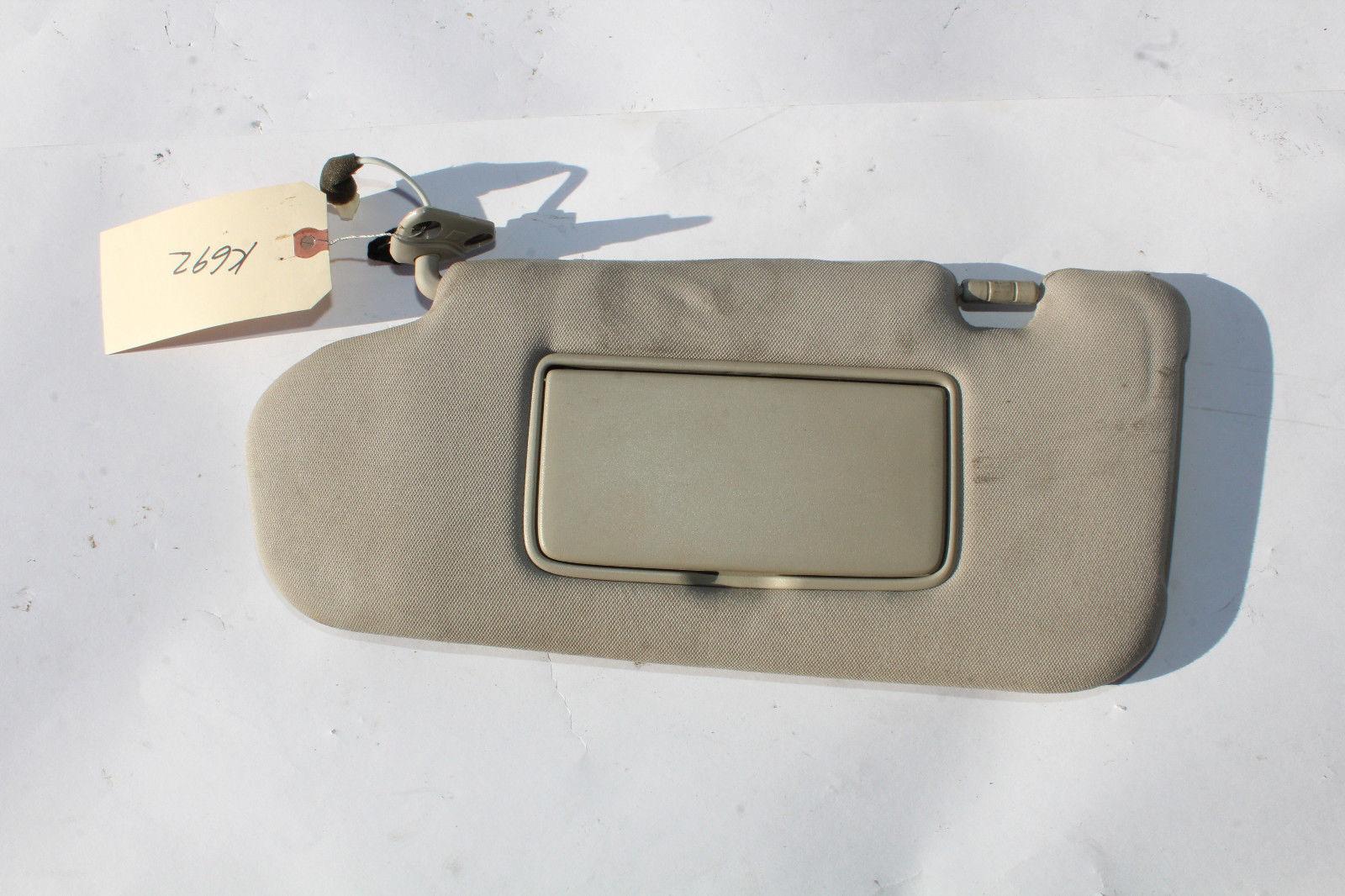 2003-2008 INFINITI FX35 DRIVER SIDE TAN CLOTH SUN VISOR K692 - $88.19