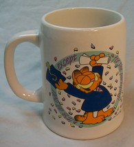 "VINTAGE Enesco GARFIELD CAT GRADUATE CELEBRATION 4"" CERAMIC DRINKING MUG - $16.34"