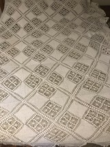 Bedspread crochet Coverlet Flowers White Vintage Fabric 100x90 lovely  - $34.65