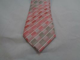 "KENNETH COLE REACTION PINK CHECKERED SILK NECKTIE 60"" LONG 3"" WIDE image 3"