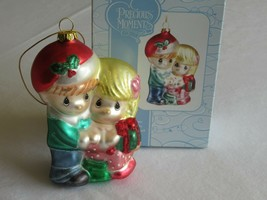 Precious Moments Blown Glass Ornament Couple With Christmas Gift 712017 ... - $14.99