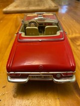 1/18 scale die cast model ANSON Mercedes Benz 280 SL convertible red image 2