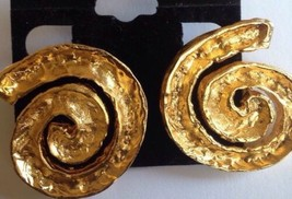 modernist gold tone clip on earrings Heavy Hammered Look Swirl - $26.99