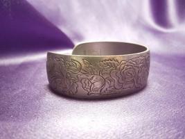 Jonquil Kirk Pewter Floral Cuff Bracelet Roses 900-6 Designer Signed Rose - $24.75