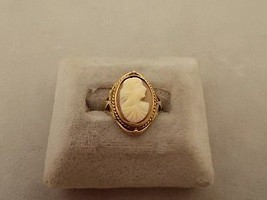 Victorian 10k Gold Shell Genuine Natural Cameo Ring w/Green Gold Accents (#366) - $308.75