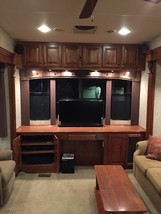 2010 New Horizons MAJESTIC 102-F39RETSS For Sale In Fillmore, IN 46128 image 4
