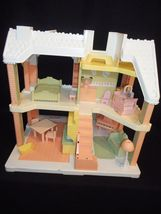 1991 Playskool VICTORIAN DOLLHOUSE pnk white with furniture Grd Piano Couch Bed image 3