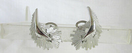 Vintage Classic Silver Rhodium Plated Modernist Leaf Earrings Comfort Clips - $13.50
