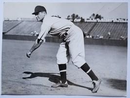 "Earl Whitehill       1933 Associated Press Photo       5 1/2"" x 7 1/2"" - $11.88"