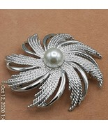 1960s Sarah Coventry signed round brooch, Vintage modern faux pearl broo... - $4.66
