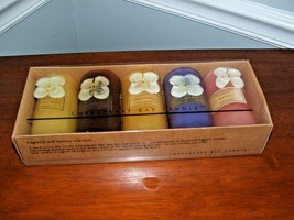 NEW AWESOME SET OF 5 HAND POURED CHESAPEAKE BAY CANDLES! - $33.66
