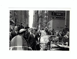 PICTURE POSTCARD-JOHN & JACKIE KENNEDY CAMPAIGNING ON BROADWAY- 10/19/19... - $3.40