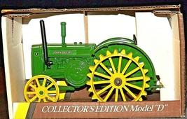 John Deere D Tractor (Collectors Edition) w/ Box (1/16 scale) AA20-JD8147 Vintag
