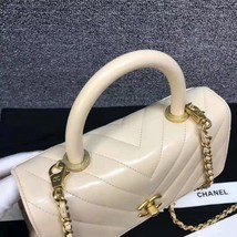 100% AUTHENTIC CHANEL CHEVRON QUILTED CALFSKIN BEIGE SMALL COCO HANDLE BAG GHW image 7