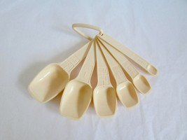 Vintage Tupperware Measuring Spoons Beige Cream Tan - £14.10 GBP