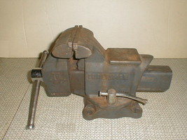 "Craftsman bench vise 51865 4 1/2"" swivel anvil combo - $90.00"