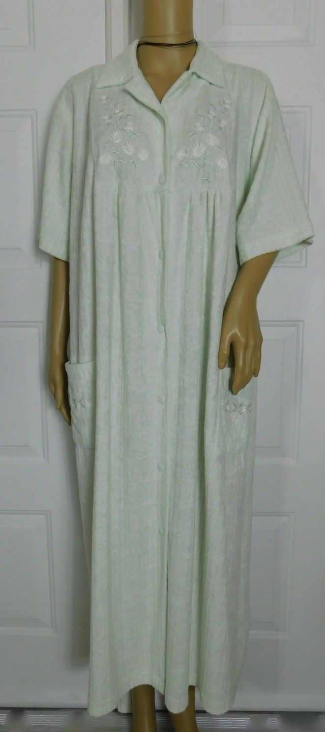 Vintage Vanity Fair Light Green Snap Front Robe Short Sleeve Size ...