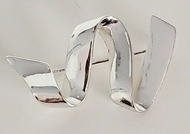 Ribbon Pin Abstract Z Pattern Silver Tone Brooch   - $14.99