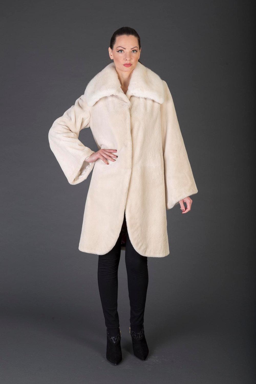 Luxury gift/Beige Beaver Fur Coat/Fur jacket with Hood / Wedding,or anniversary