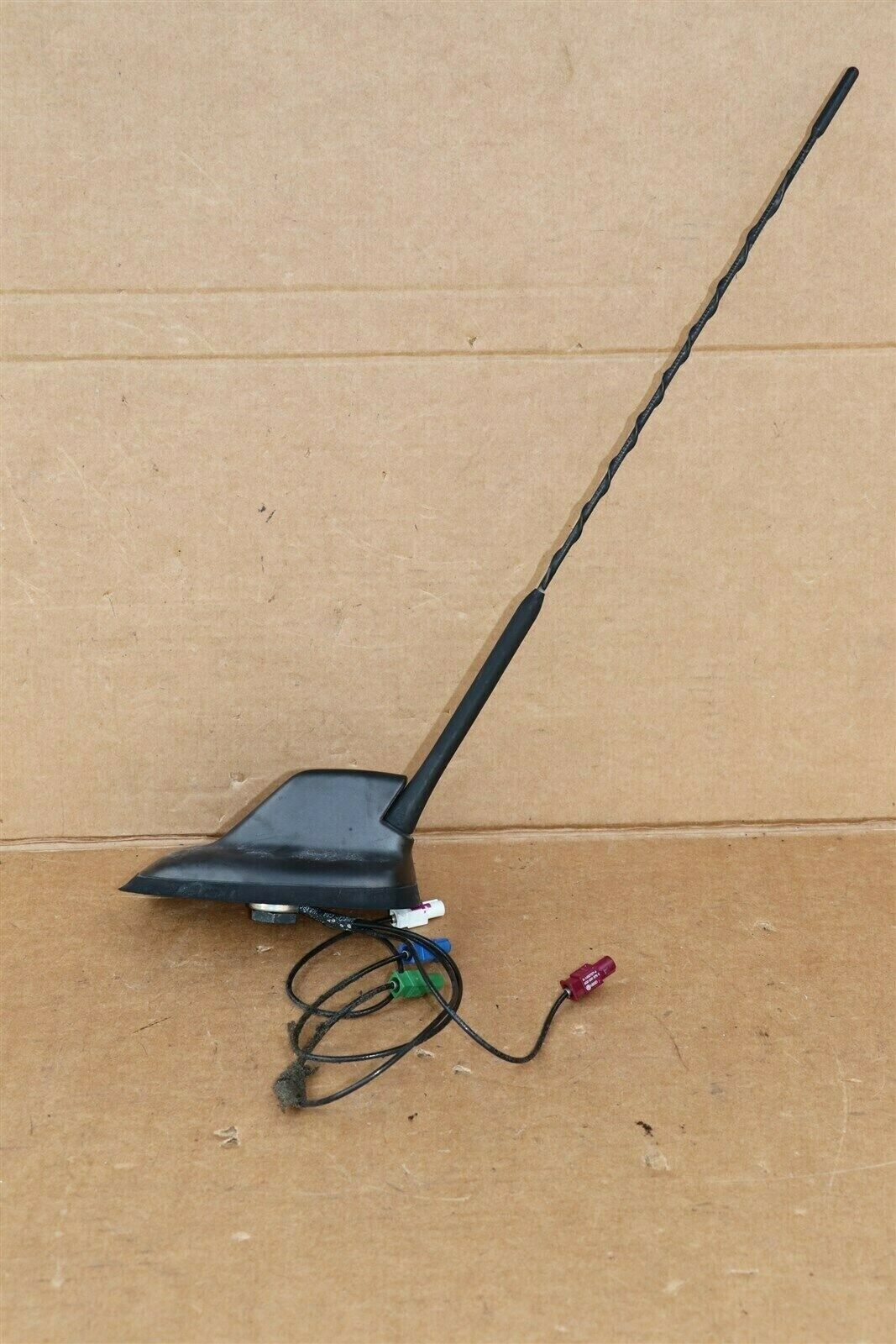 Vw Tiguan Jetta Rabbit Radio Roof Antenna 1k0.035.501.D