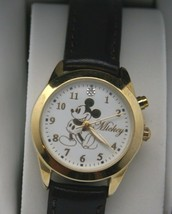 Mickey Mouse Musical Watch Disney Women's Plays Its a Small World 30 mm ... - $2.049,83 MXN