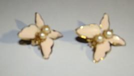 Vtg 1960s BUTTERFLY Pale Pink Enamel Metal Gold tone Pearls Clip On Earr... - $8.50