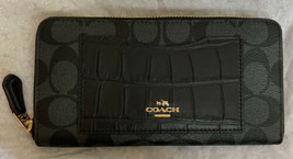 NWT Coach Women's Accordion Zip Wallet F26300 - $87.07