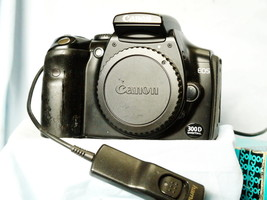 Canon EOS 300D / Digital Rebel  DSLR Camera c/w Charger, Batt + Remote -TESTED- - $50.00