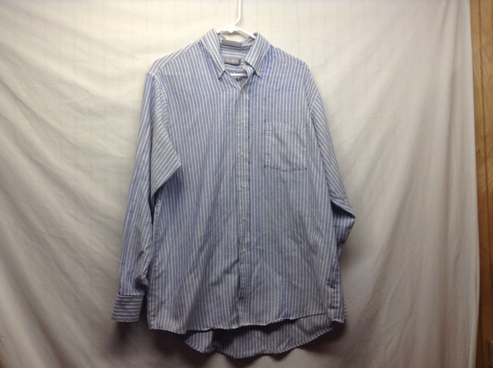 Van Heusen Light Blue Button Down Dress Shirt Sz 18.5 34/35
