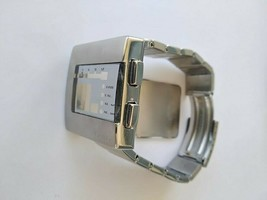 Case  with glass and  bracelet SEIKO Silver caliber W524 STN003 - $89.10