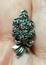 BOUQUET OF ROSES FINE PEWTER PENDANT CHARM - 10x21x6mm