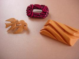 Vintage 3 piece carved  brooch lot - retro jewelry - love birds brooch -... - $65.00
