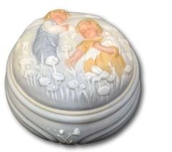 Avon Musical Trinket Dish Box Golden Dreams Children Flowers 1985 Porcelain  - $8.90