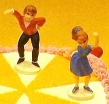 Wilton Cake Tops Teen Swingers Cake Cupcake Topper Boy & Girl Dancing VT... - $9.99