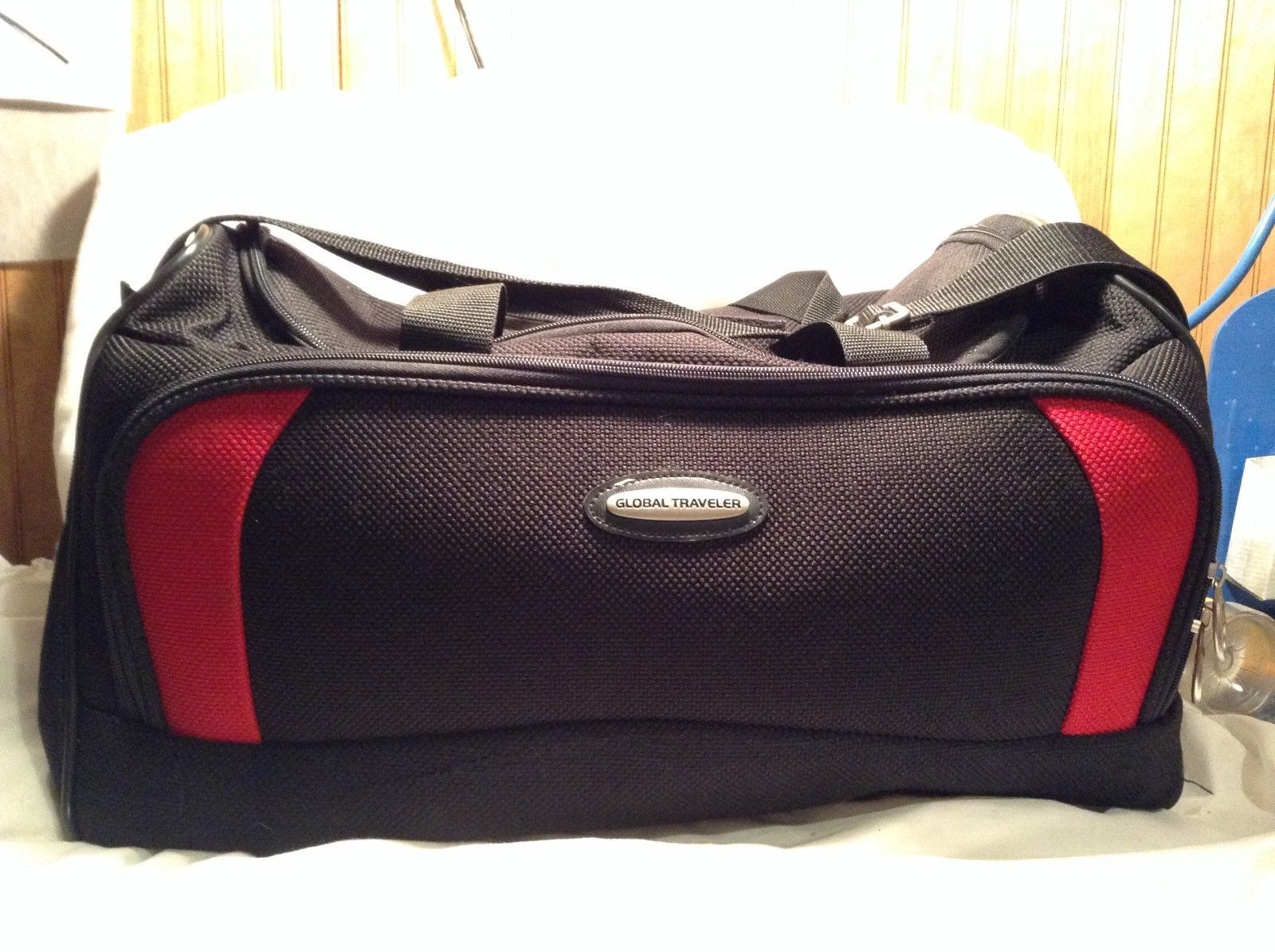 Black/Red Global Travelers Bag w Removable Display Shelves