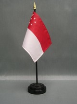 "SINGAPORE 4X6"" TABLE TOP FLAG W/ BASE NEW DESK TOP HANDHELD STICK FLAG - $4.95"