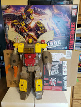 Transformers War for Cybertron Siege Titan Omega Supreme G1 WFC-S29 & Do... - $184.99