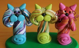 See, Hear, Speak No Evil Kitten Cat Figures on Base - Clay Hand Made 3 W... - $24.18