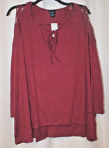 New Womens Plus Size 3X Red Burgundy Cold Shoulder Top With Keyhole Front - $17.41